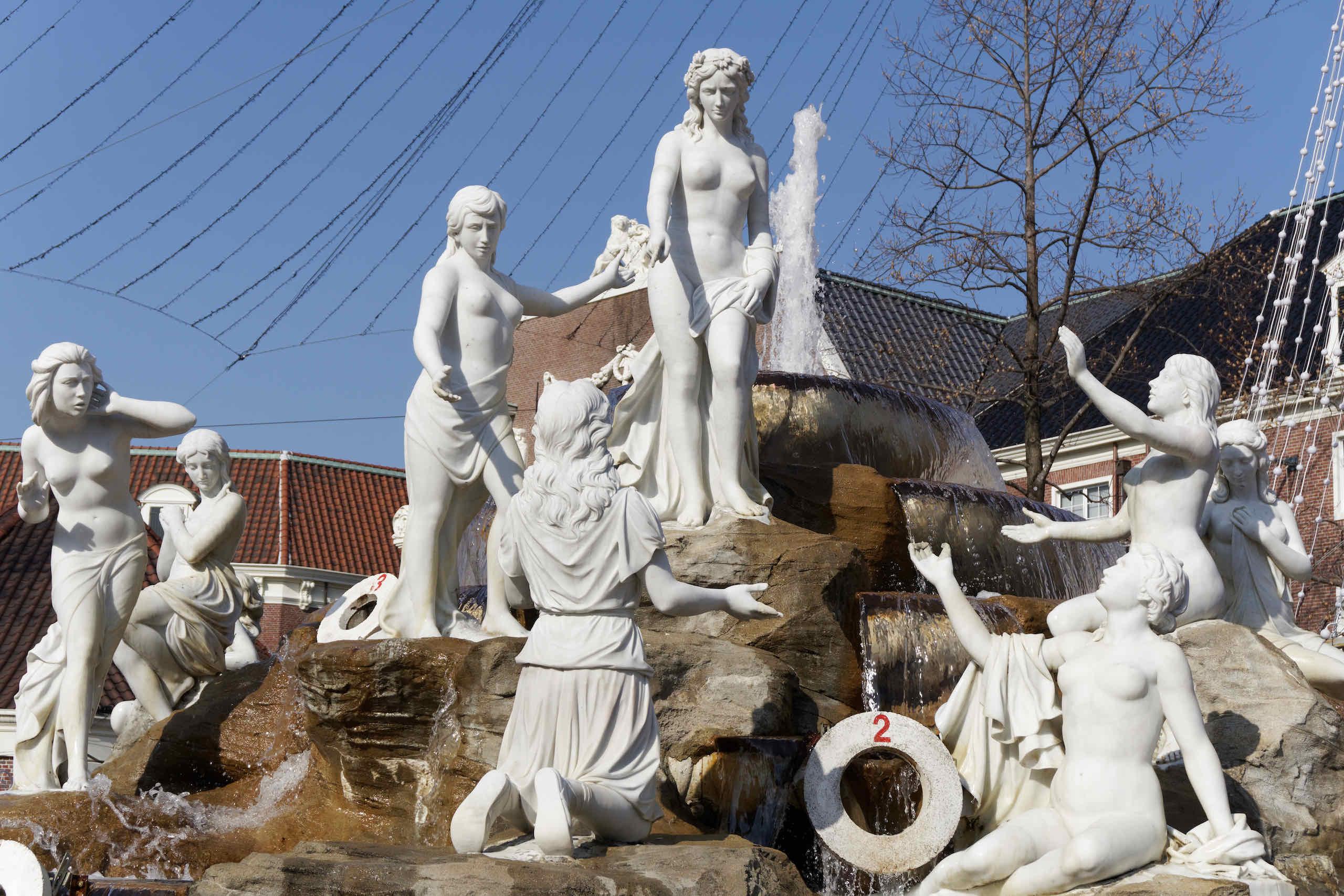 sculptures, fountain square